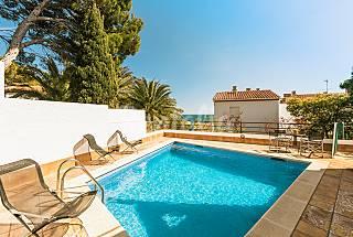 Casa para 6 personas con vistas al mar y piscina Girona/Gerona