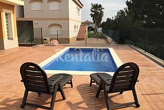 Set of 3 villas with private pool Tarragona