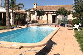House with 5 bedrooms only 800 meters from the beach Alicante