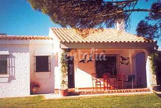 Casa con jardín cerca de la playa Cádiz