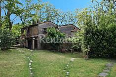 Casa di campagna con giardino privato. Lucca