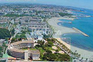 Cambrils apartamentos 1º linea playa piscina Tarragona