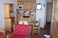 Apartment for 6 people with swimming pool Hautes-Alpes