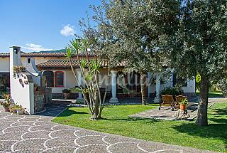 Villa for 8-10 people 3 km from the beach Latina