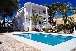 Villa en alquiler en primerisima linea de playa Menorca