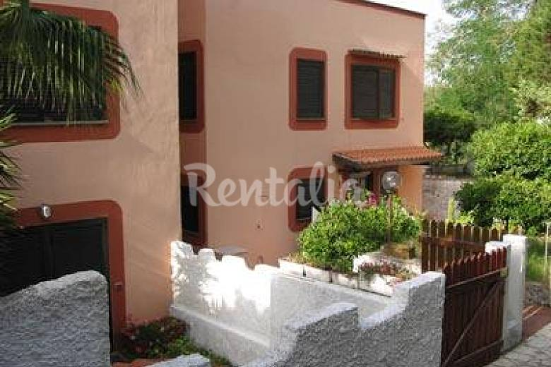 Apartment for 4-7 people only 100 meters from the beach Latina