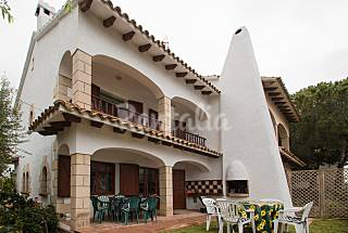 House with garden 200 m to the beach Tarragona