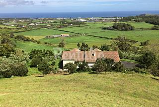 Villa for rent 3 km from the beach São Miguel Island