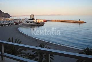 Apartamento para 3-5 personas a 30 m de la playa Almería