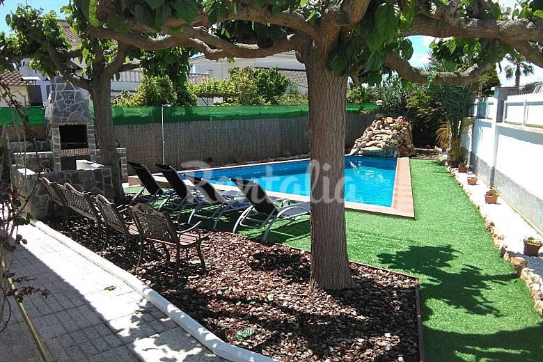 Huis met prive zwembad op 500 meter van het strand creixell tarragona costa dorada - Zwembad met strand ...