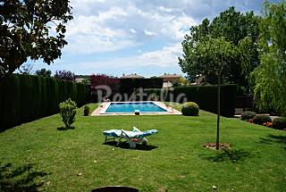 Casa en alquiler en Parlavà Girona/Gerona