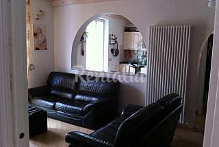 Apartment with 2 bedrooms only 1000 meters from the beach Genoa