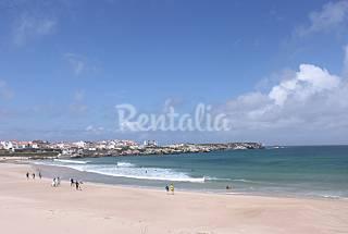 Apartamento com 2 quartos em frente à praia Leiria