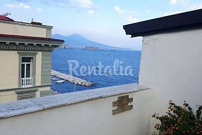 Appartamento in affitto in prima linea di spiaggia Napoli
