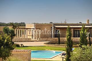Villa para 2-13 personas a 15 km de la playa Lecce