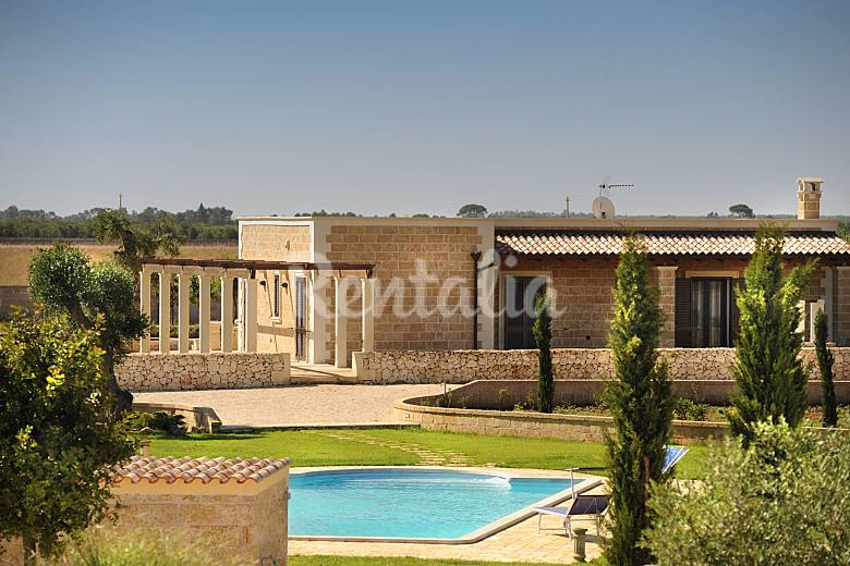 Villa for 2-13 people 15 km from the beach Lecce