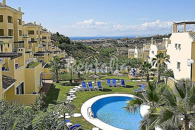 Casa en alquiler con piscina bel air estepona m laga for Casas con piscina en malaga