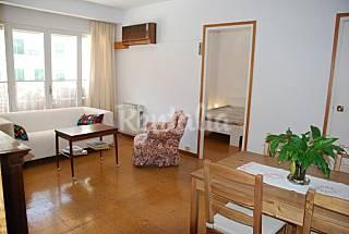 Apartamento para 2-4 personas a 30 m de la playa. Girona/Gerona