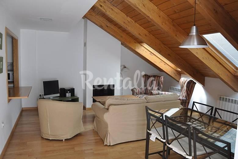Apartamento con piscina Huesca