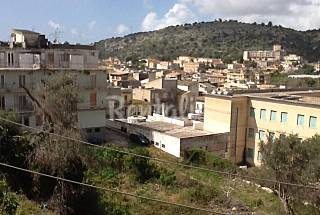 Apartment for 4-7 people 5 km from the beach Ragusa