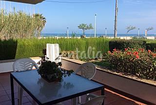 Villa de 4 habitaciones en 1a línea de playa Tarragona