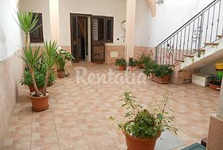 Apartment for 4-8 people 12 km from the beach Lecce