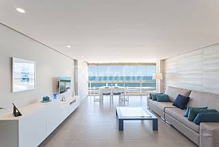 Apartamento de Lujo Frontal al Mar - Edif Bermudas Valencia
