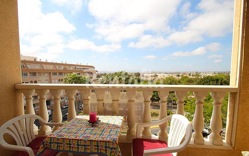 Appartement en location 750 m de la plage torrevieja for Chauffage piscine russe
