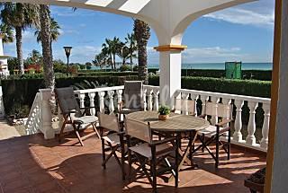 Villa en 1a línea de playa Almería