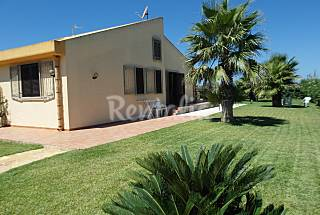 Villa for rent only 150 meters from the beach Trapani
