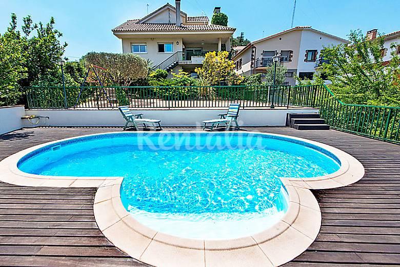 Villa en alquiler con piscina urbanizacion els saulons for Piscina caldes de montbui