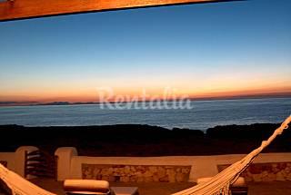 Villa exclusiva en primera línea de mar  Menorca