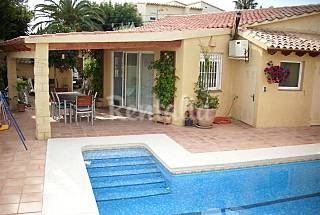 Villa for rent only 800 meters from the beach Alicante