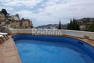 Villa con piscina, a 700 m de la playa Granada