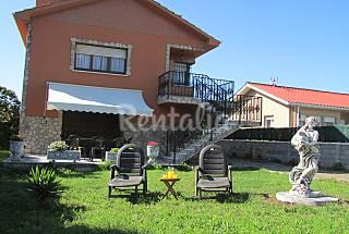 Chalet con vistas al mar y jardín privado Asturias