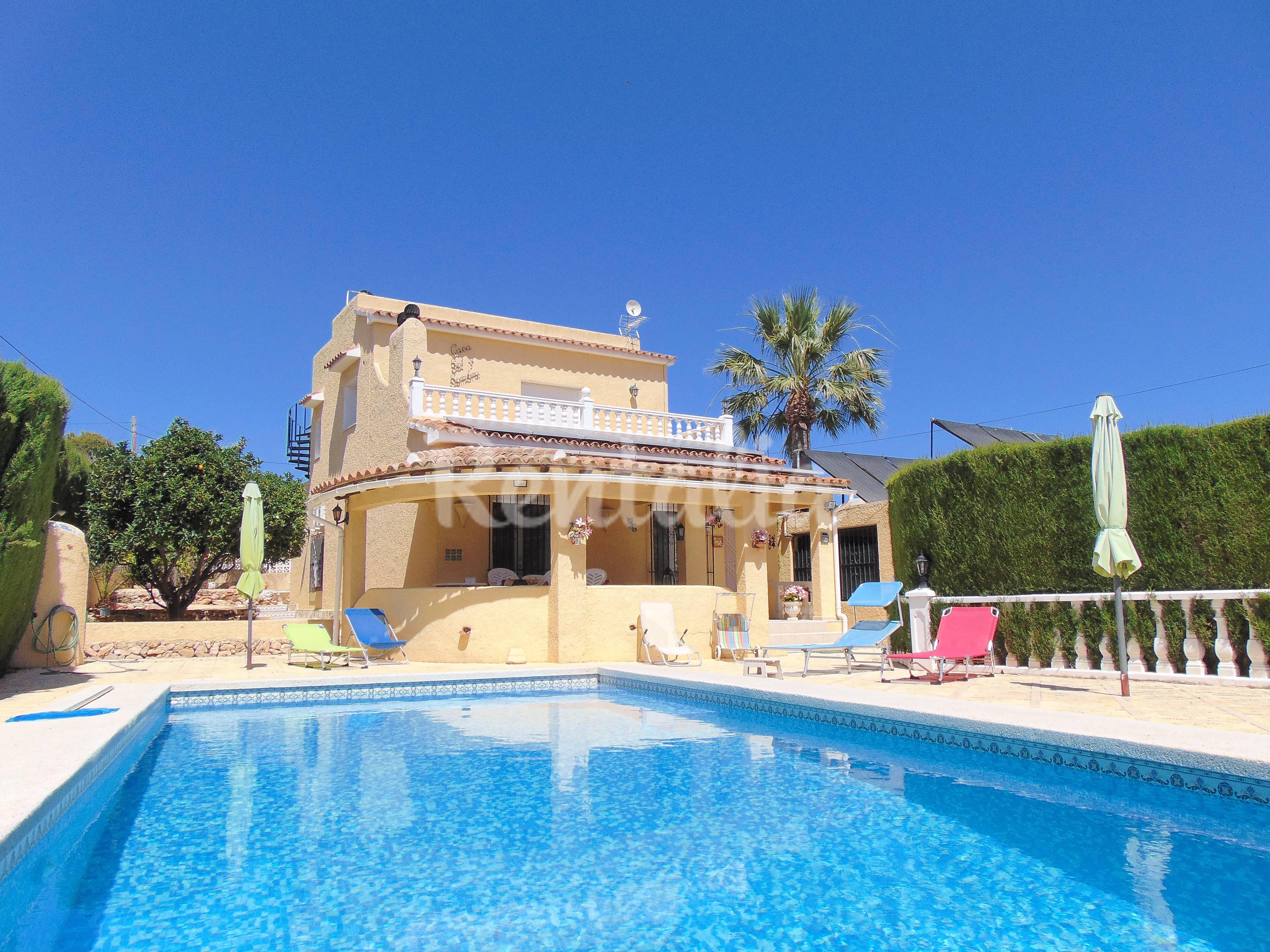 Villa con piscina privada cerca de playa en calpe calpe - Piscina de playa ...