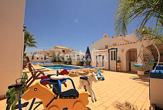 Villa for 8-9 people only 300 meters from the beach Algarve-Faro