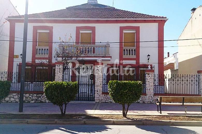 casa palacete con encanto villarejo de salvan s madrid