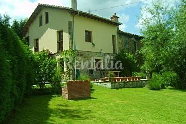 Casa para 7 personas con jard n privado cangas de on s for Casa jardin asturias