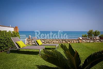 Casa 6 personas en 1a línea de playa. 1m playa Málaga