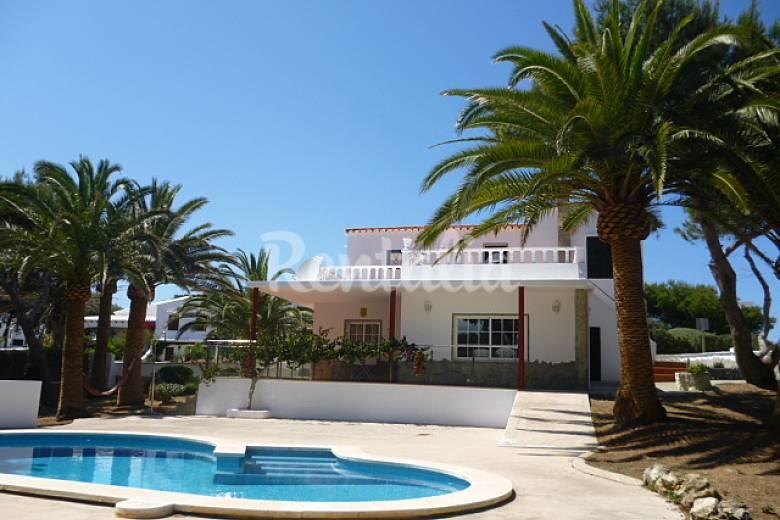 Villa en location 100 m de la plage arenal d 39 en for Piscine 91700