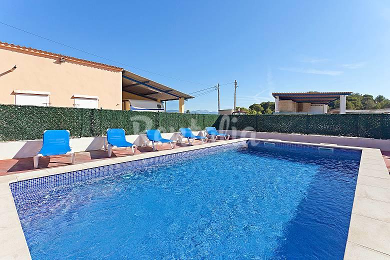 Casa para hasta 18 pers con piscina en s 39 arenal s for Casas con piscina mallorca