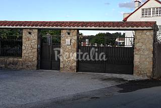 Parga Bajo Villa with 3 bedrooms only 1000 meters from the beach A Coruña