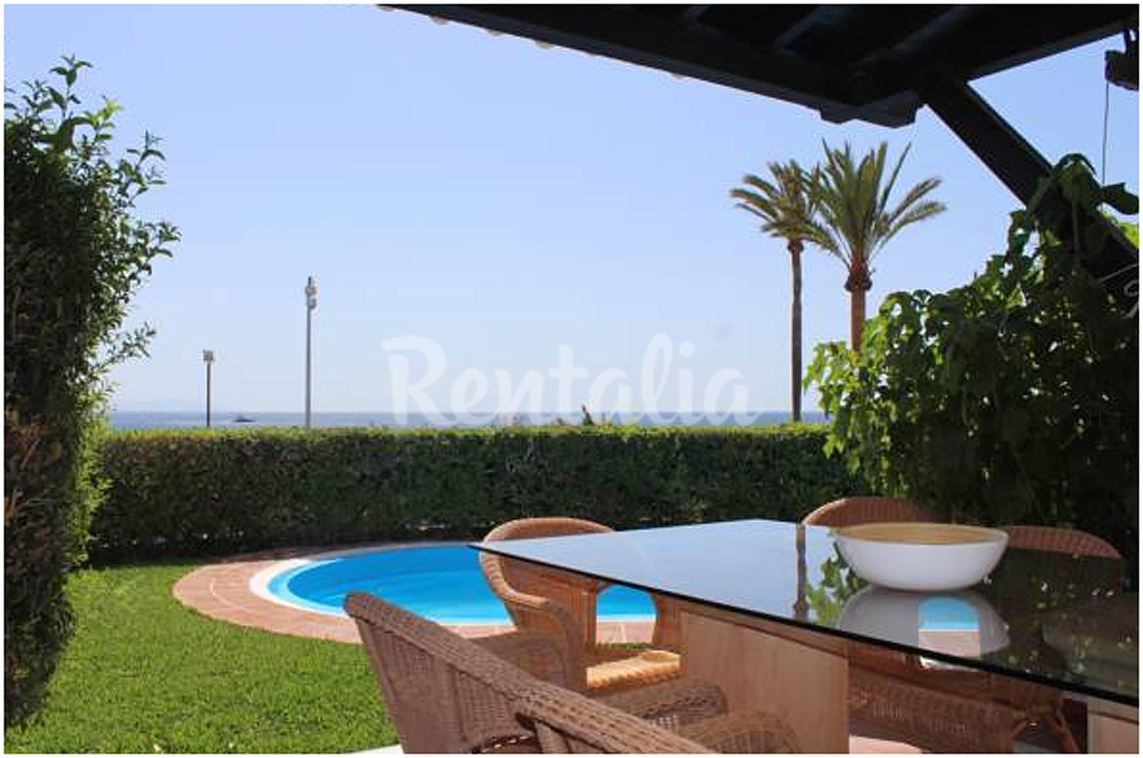 Marina villages 3 dormitorios piscina privada la for Piscina publica alhendin granada