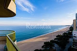Apartamento de 3 habitaciones en 1a línea de playa Girona/Gerona