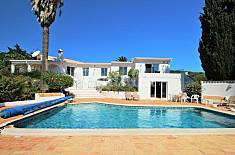Villa with 5 bedrooms only 200 meters from the beach Algarve-Faro
