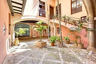 Apartment with 2 bedrooms in the centre of Palma Majorca