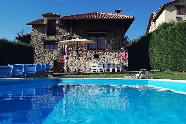 Preciosa chalet con piscina en segovia otero de herreros segovia - Piscina climatizada segovia ...