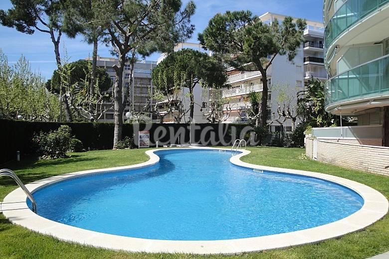 Apartamento en alquiler a 100 m de la playa salou for Apartamentos jardin playa larga tarragona