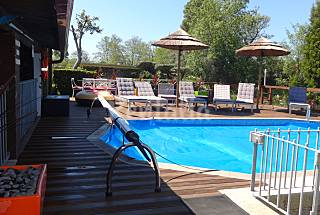 Home, private heated pool, spa, along beaches Viana do Castelo
